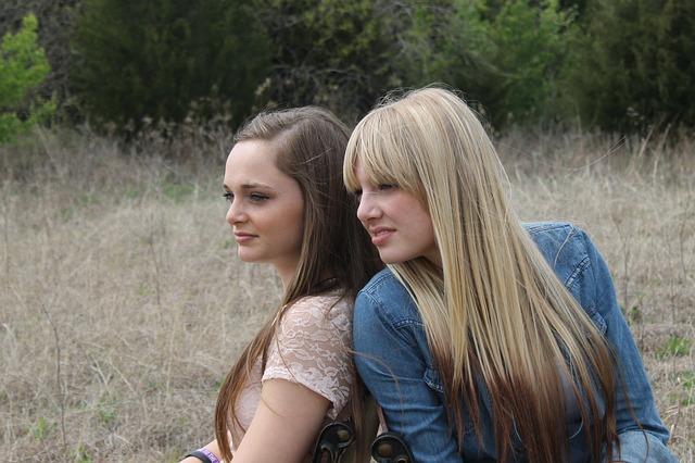Οι φίλοι στην εφηβεία. Γιατί είναι τόσο σημαντικοί;