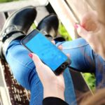 Γιατί ο έφηβος δεν μπορεί να «ξεκολλήσει» από το διαδίκτυο; Τρόποι αντιμετώπισης για γονείς