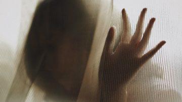 Σεξουαλική παρενόχληση έφηβου κοριτσιού: Ενδείξεις και αντιμετώπιση