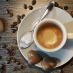Κατανάλωση καφεΐνης στην εφηβική ηλικία: πόσο ασφαλής είναι τελικά;