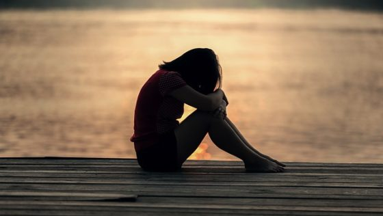 Αυτοσυμπόνια και όχι αυτολύπηση. Θεραπεύοντας το άγχος και τα δύσκολα συναισθήματα