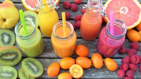 Τα φρούτα και οι χυμοί τους: Τι να προτιμήσει ένας έφηβος & πού να εστιάσει την προσοχή του