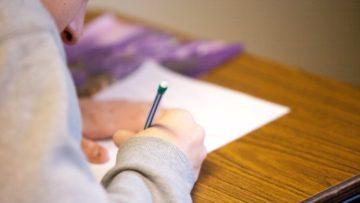 Πώς να δώσω κίνητρο στον έφηβο να διαβάσει; Πώς επιτυγχάνεται το αποτελεσματικό διάβασμα;