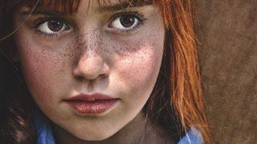 Τι πρέπει να κάνω ώστε η έφηβη αδελφή μου να μην επηρεάζεται από το αγόρι της, χωρίς ωστόσο να χάσω την εμπιστοσύνη που μου έχει;