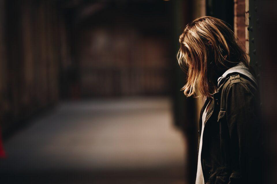 Εφηβική κατάθλιψη και απόπειρες αυτοκτονίας - Τα σημάδια που δεν πρέπει να αγνοούνται