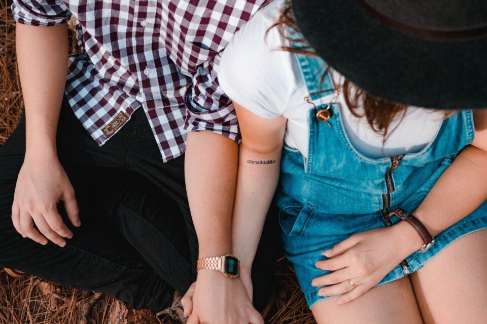 Ο έφηβος γιός/ κόρη φέρνει τη σχέση του/της στο σπίτι. Τι στάση πρέπει να κρατήσω ως γονιός;