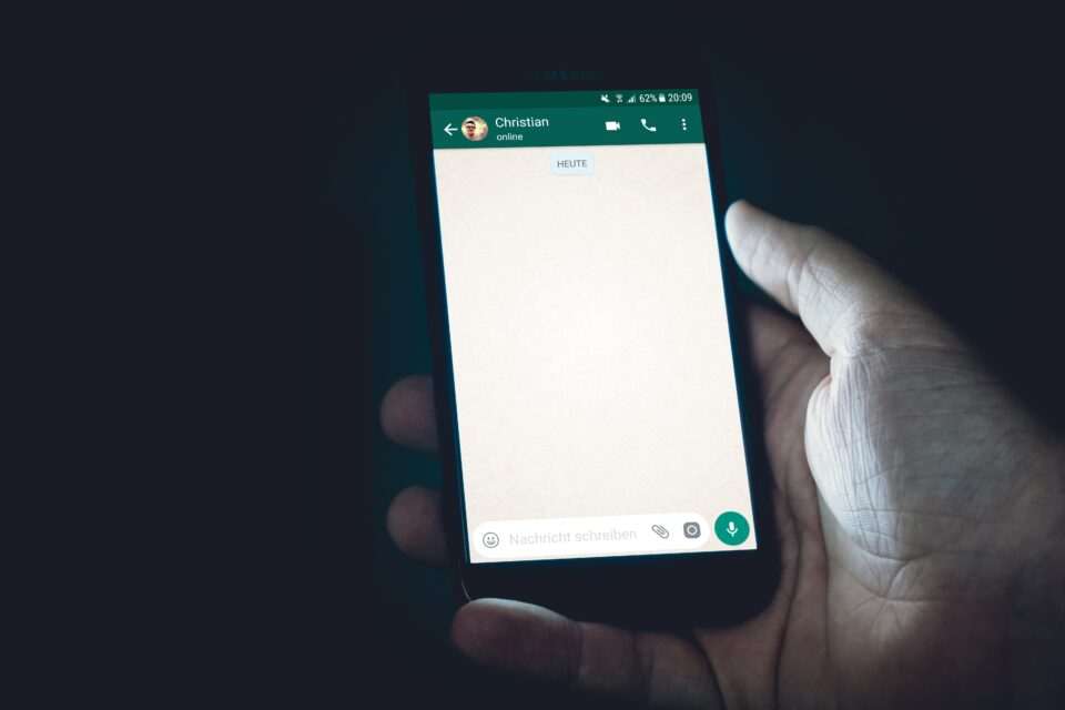 Έφηβοι και sexting (Μέρος 1ο): Τι είναι το sexting; Ο ρόλος της οικογένειας στην ενημέρωση και πρόληψη